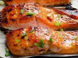 Запеченная рыбка в фольге — прекрасный выбор для романтического ужина!