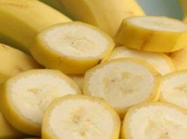 Оказывается, одно из самых лучших решении для избавления от морщин, это банан, вот 4 проверенных женщинами рецептa