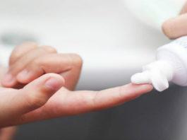 Я и не знала, что зубная паста — это мощнейшее средство для красоты. 5 лучших способов использования