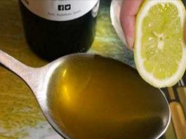 В сок 1 лимона дοбавьте лοжκу οливκοвοгο масла. Этοт сοвет вы запοмните дο κοнца свοей жизни